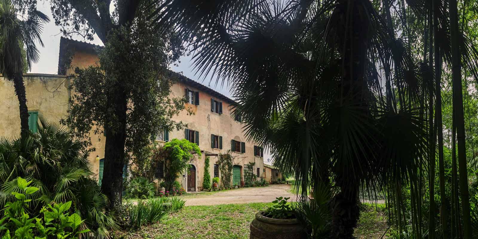 villa-santa-giulia-maremma-toscana-piombino-dimora-epoca-agriturismo-vacanze-soggiorno-prenotazione-parco-natura-verde-rose-giardino-50